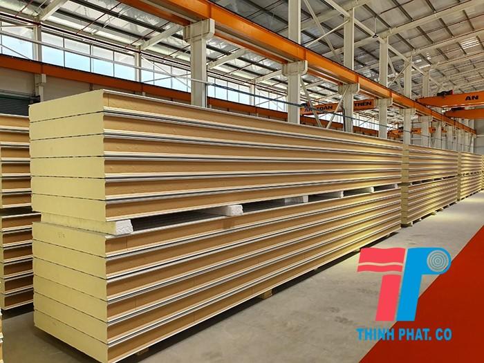 nha-xuong-panel